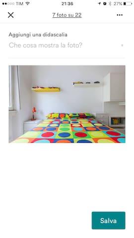 Ampia stanza in pieno centro a Milano