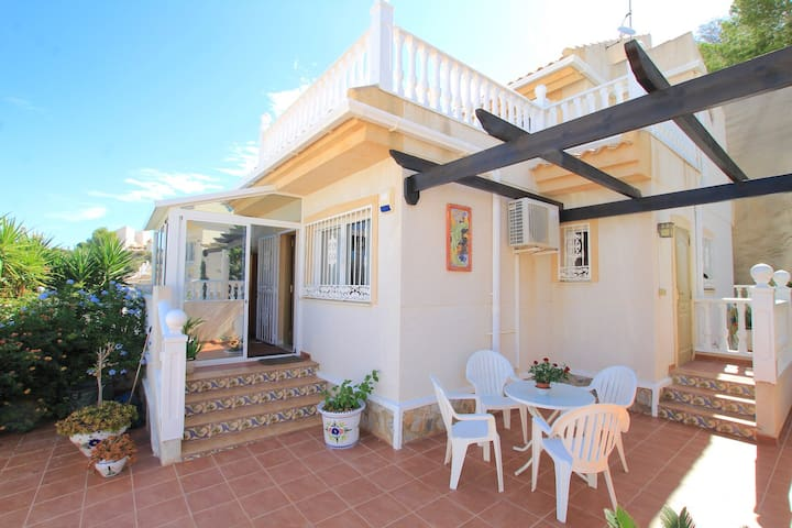 Wonderful Semi-detached Villa w/terrace&pool
