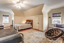 Large 6 Bedroom - Boston City Line w/ Free Parking