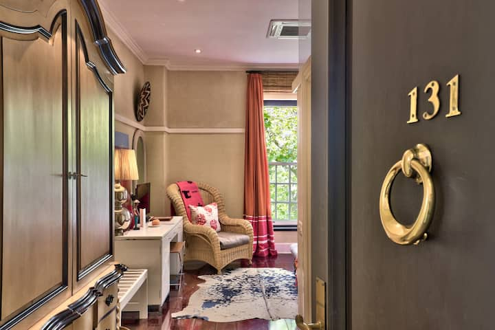 Relax and Rejuvinate your soul at Hout Bay Manor