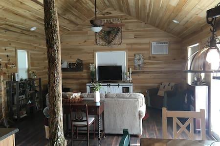 Hillside Cabin is in beautiful Tennessee!