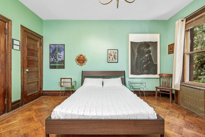 Classic Harlem Brownstone - Manhattan