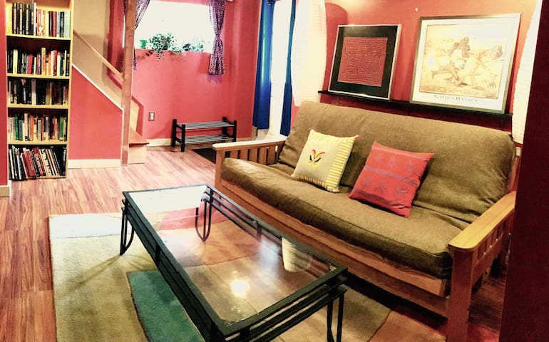 Private Bed, Bath & Den with Separate Entrance - Seattle - Rumah