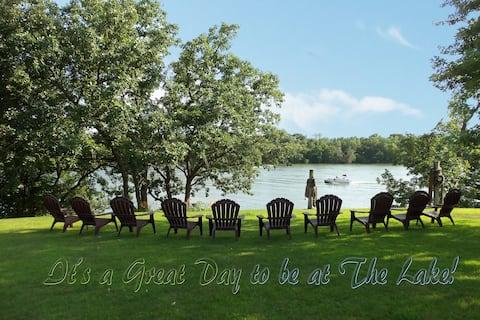 Aunt Kay's Cabin on Cedar Island Lake