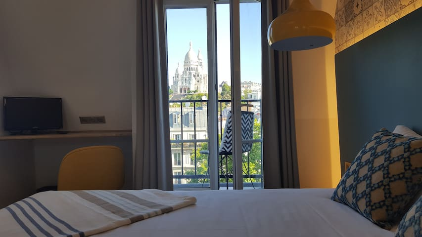 Nice Double Room in the Heart of Paris