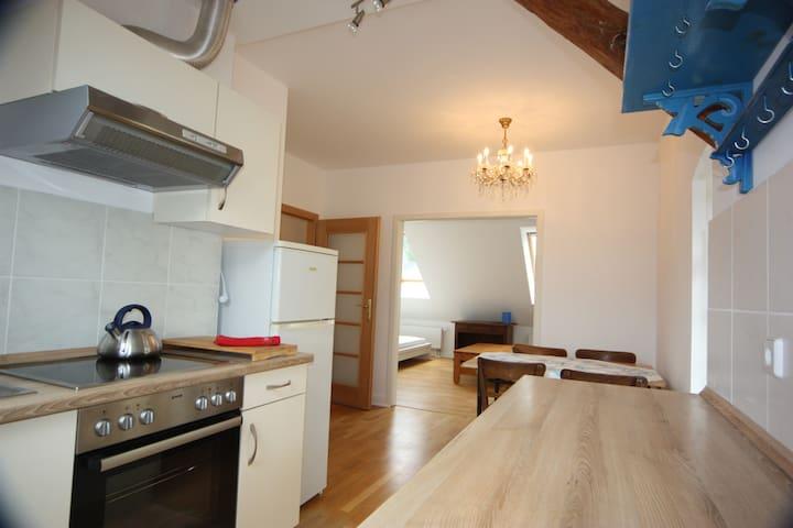 Abgeschlossene 2-Raum-Wohnung in Pankow - Berlin - Flat