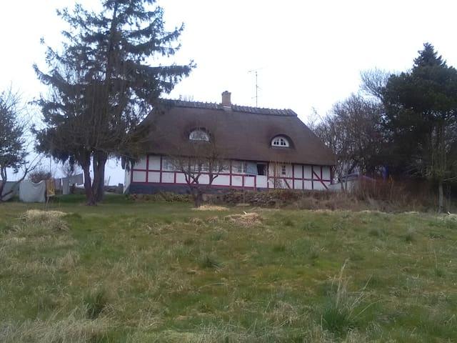 Det lille hus i de sydfynske bakker - Vester Skerninge - Haus