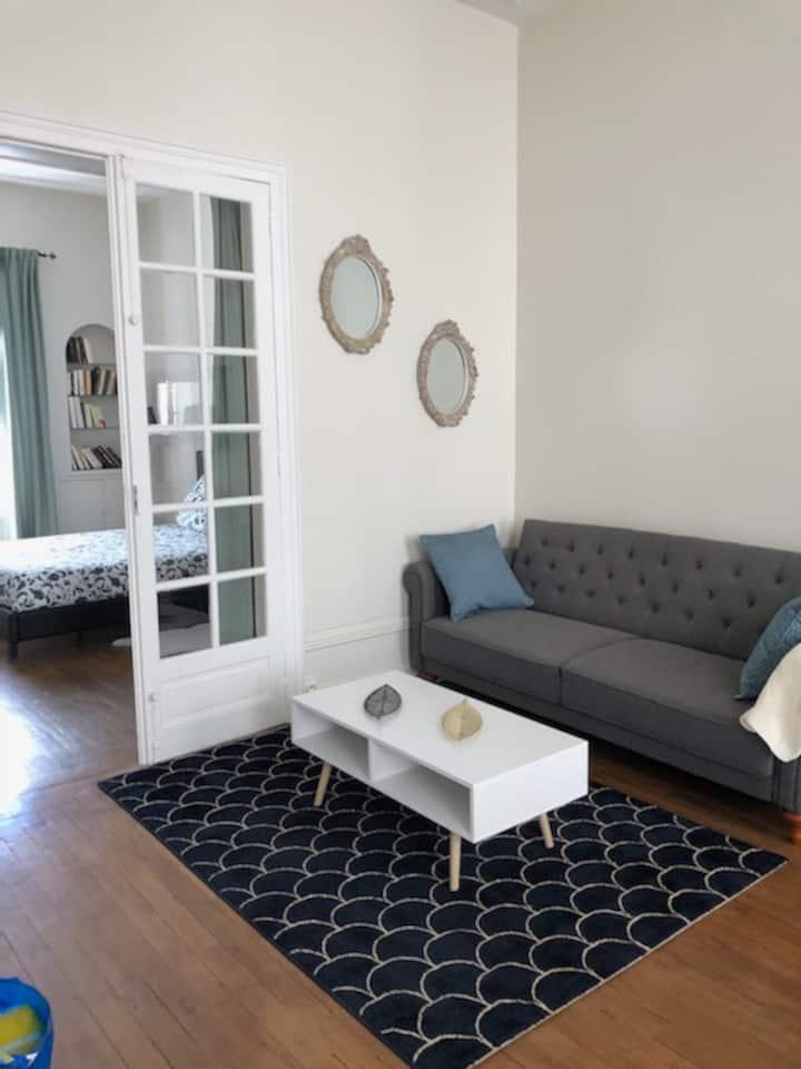 Appartement centre avec terrasse ensoleillée