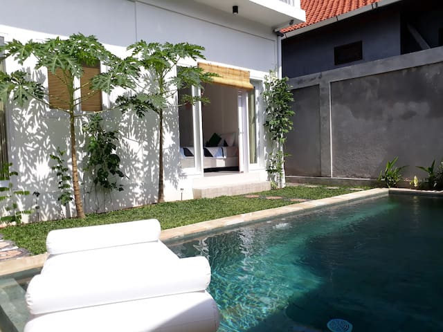 Villa with private pool on Hilton Hill in Nusa Dua