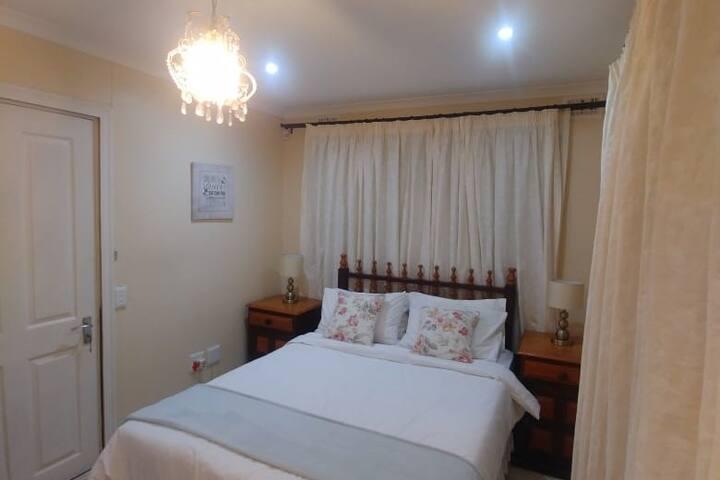 Three Anne's Guest House - Durban North