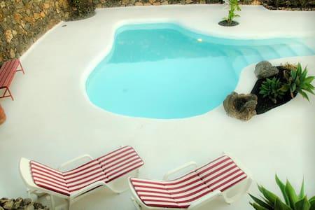 Casa Los Olivos, jameos del agua style pool - Macher