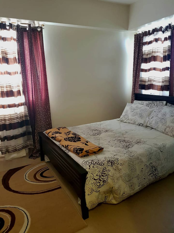 2 Rooms Avida Condo Iloilo  w/ Fiber Internet & TV