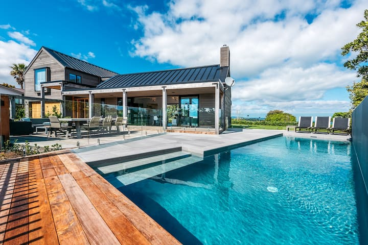PACIFIC ESCAPE, Waiheke Island | Be My Guest
