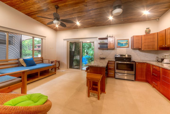 Guiones Beach Bungalow. Walk to SURF, YOGA! - Guanacaste - Hus
