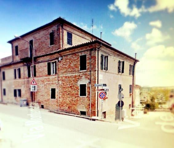 Appartamento Ostra 90mq Panoramico - Ostra - อพาร์ทเมนท์