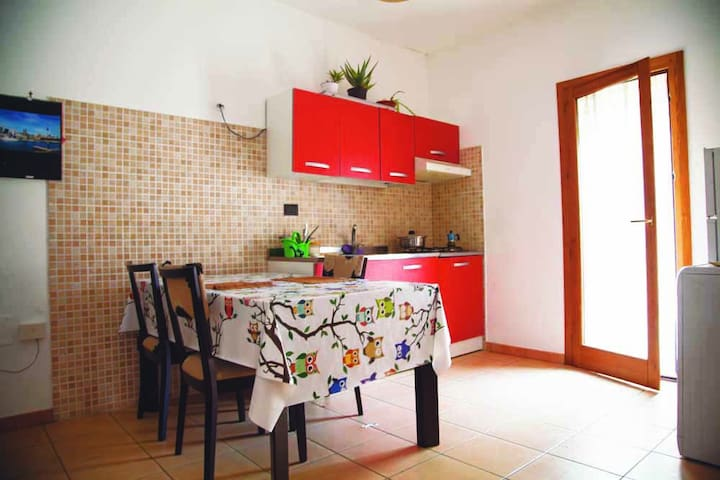 bright one bedroom apartment - Bagheria - Appartement