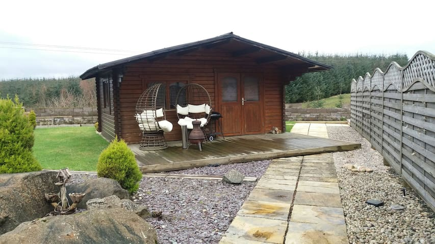 Lochinvar - Log Cabin (Self Catering) - Airdrie - Chalet