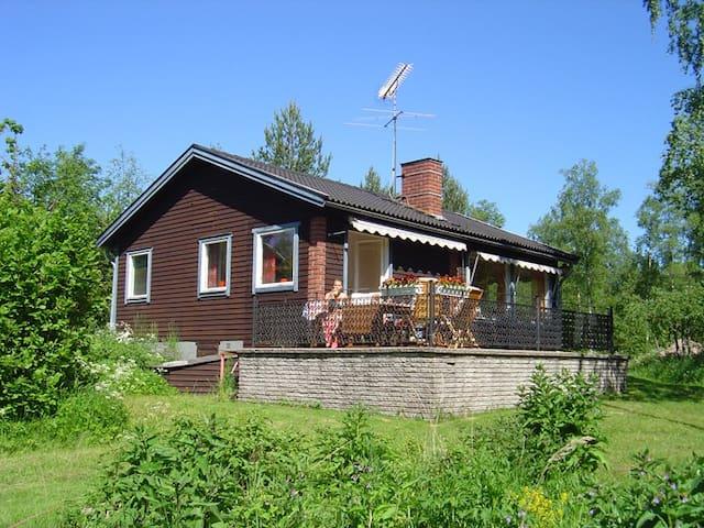 Sommarställe 300 m från stranden - Norrtälje N