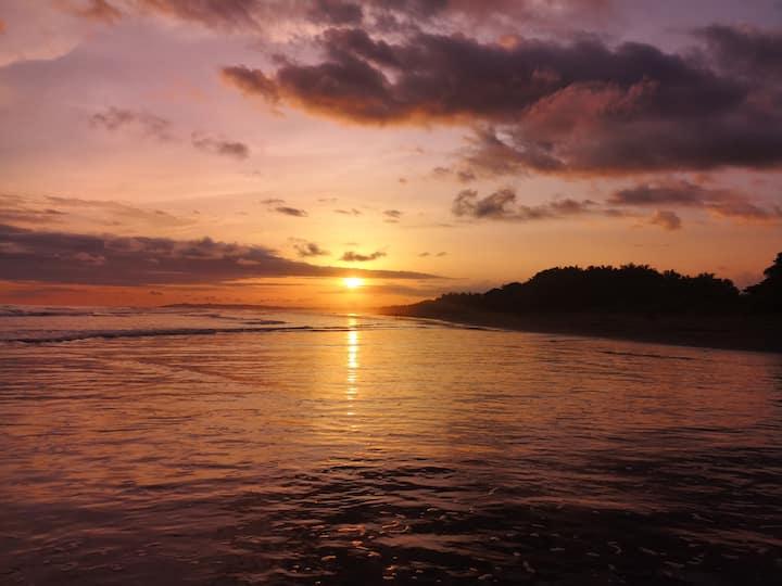 Casa en Playa Bejuco, Un Paraiso en el Pacifico!