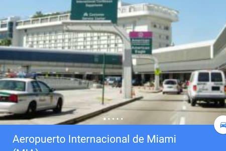 EL CORAZON DE MIA,FL. - Miami