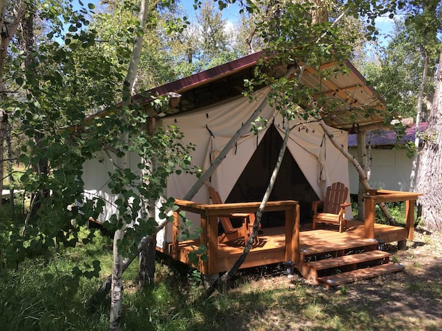 Quaking Aspen Ranch - Fly Fishing Lodge and Guest Ranch, The Herd, Glamping Cabin