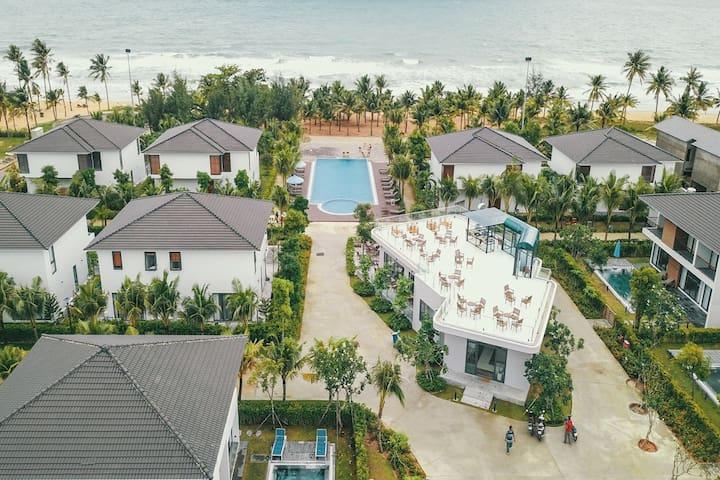 M Villa near the sea - 3 BR - Private Pool