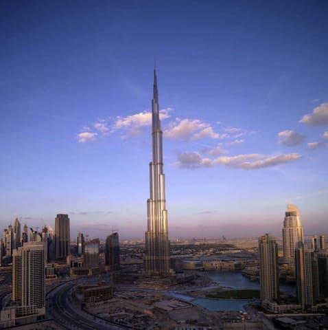 Modern 1 Bedroom Burj Khalifa, Dubai