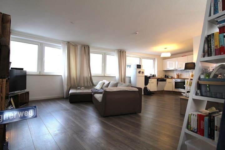 Bright & open apartment in Cologne city center