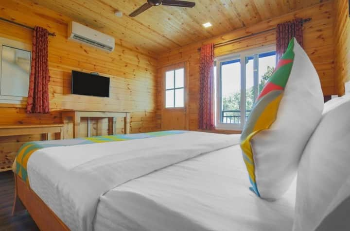 Blissful Deluxe Room with Swimming pool at Arambol