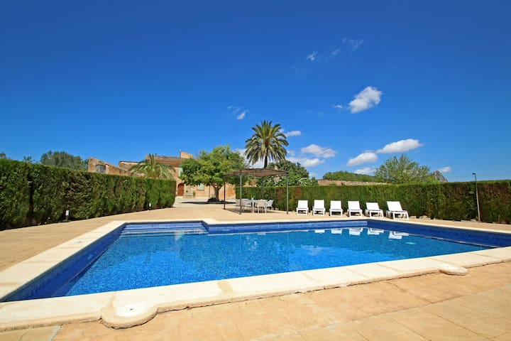 Finca Buniferri - Historic house with a large Pool