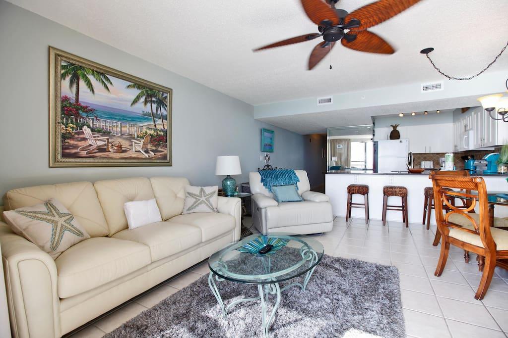Pelican beach resort 802 condominiums for rent in destin - 1 bedroom beachfront condo in destin fl ...