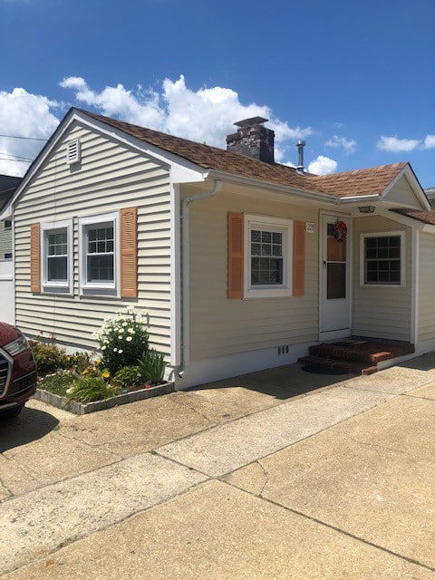 COZY Small Cottage with  Pool /Seaside Heights NJ
