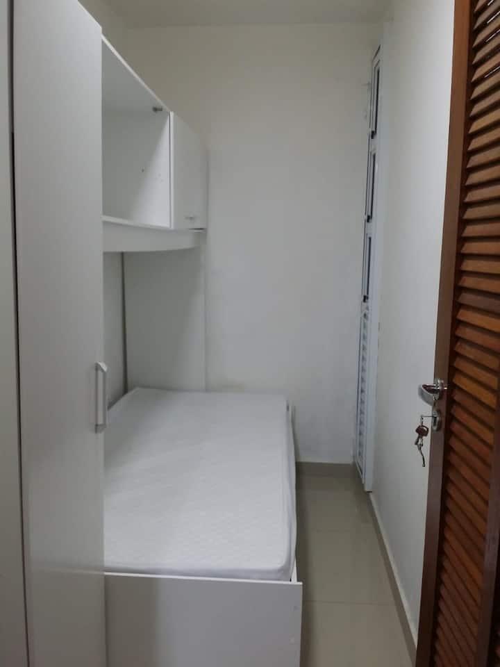 Hospedaria Cici - prox metro belem - quarto 5