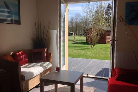 F2 à la campagne avec terrasse - Milly-la-Forêt - House