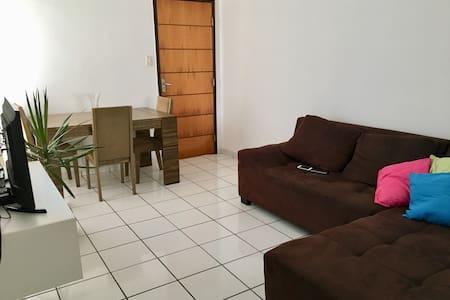 Quarto PRIVATIVO em apartamento COMPARTILHADO