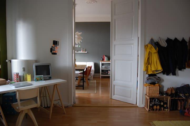 Tolle Altbauwohnung im Bremer Szeneviertel - Brema - Apartament