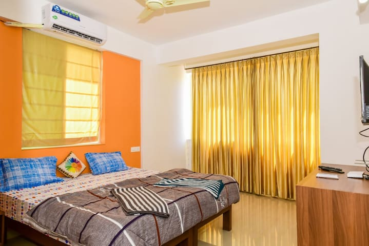 Cozy Buget friendly Room with lake view at Pilerne