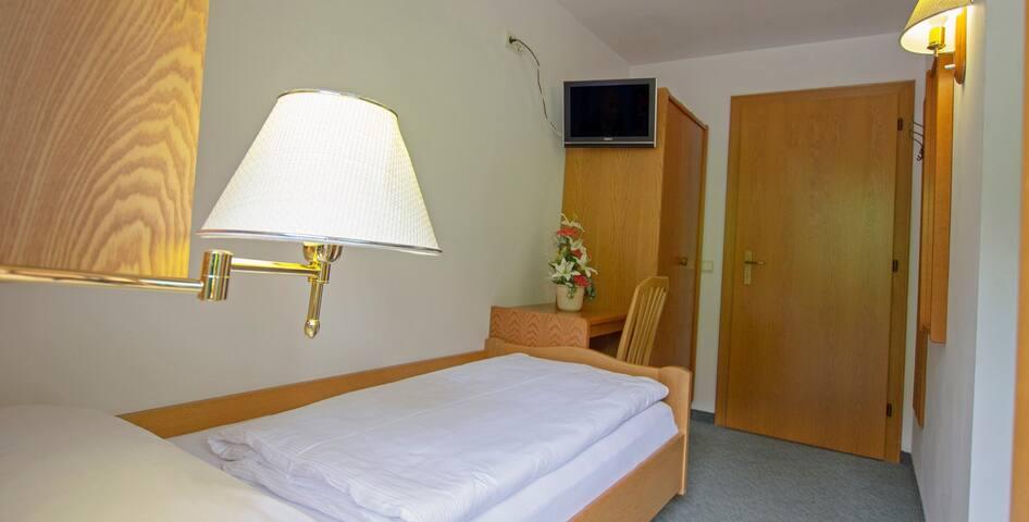 Single bed room in B&B - La Villa - Bed & Breakfast
