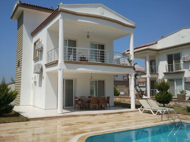 Villa Sultan, Atatürk Mah. Sok. 3053 Akbük Didim - Akbük - Villa