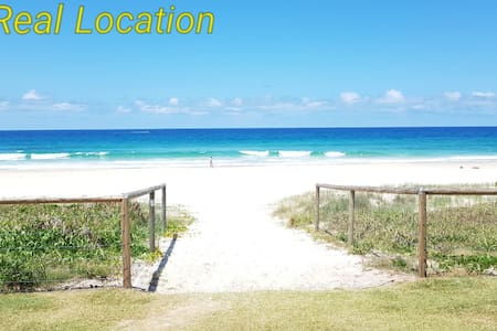 Currumbin Home with Direct Beach Access