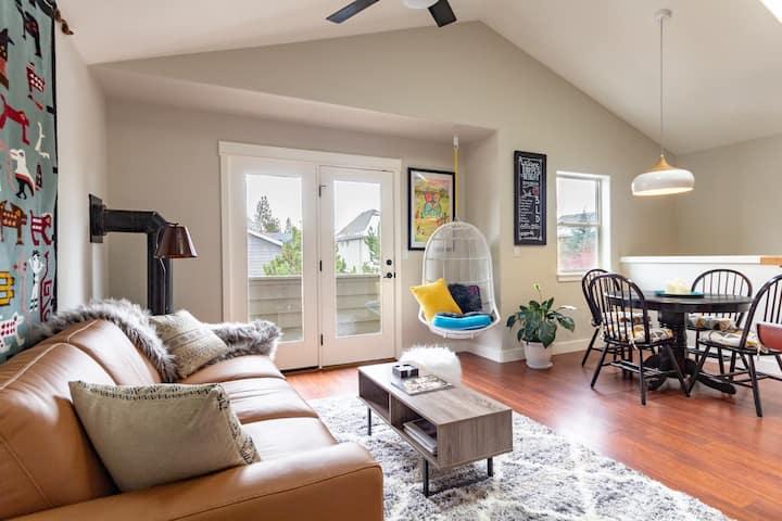 Hip 1-Bedroom, Thoroughly Sanitized,  Westside