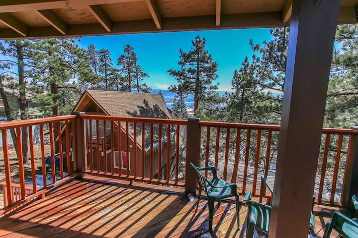 Mountain Top Home Lake Views, WiFi Sleeps 10