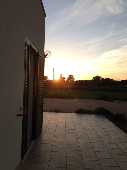 Vista laterale al tramonto