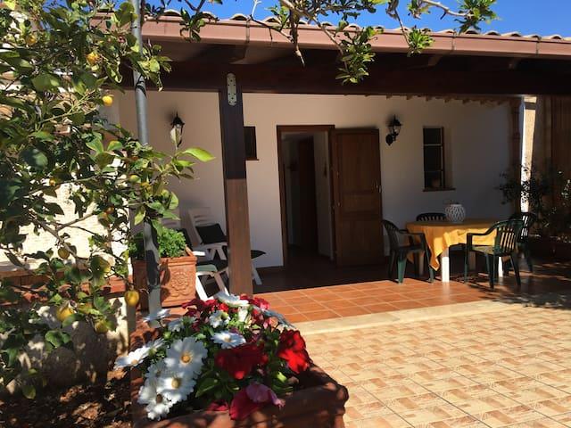 Tra Monte Cofano e San Vito Lo Capo - Castelluzzo - Casa