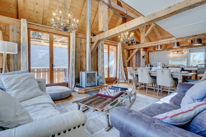 Morzine - Luxurious Farmhouse 5 mins from ski lift
