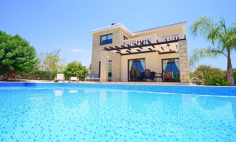 Luxury Villa In Coral Bay, Paphos - Peyia - Vila