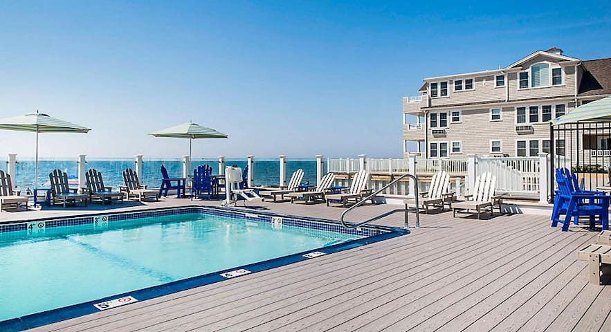 1BR PRESIDENTIAL Unit w/ Pool Deck NEAR Cape Cod