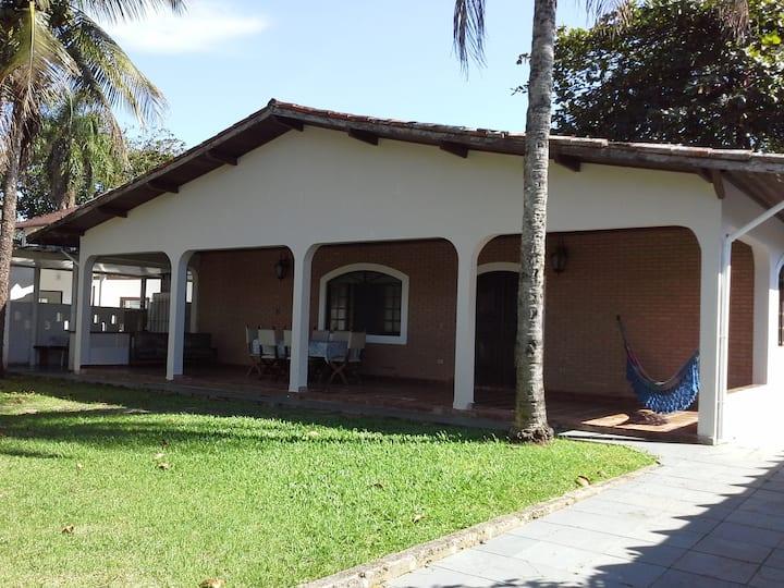 Lázaro - Ubatuba. Casa ampla com segurança