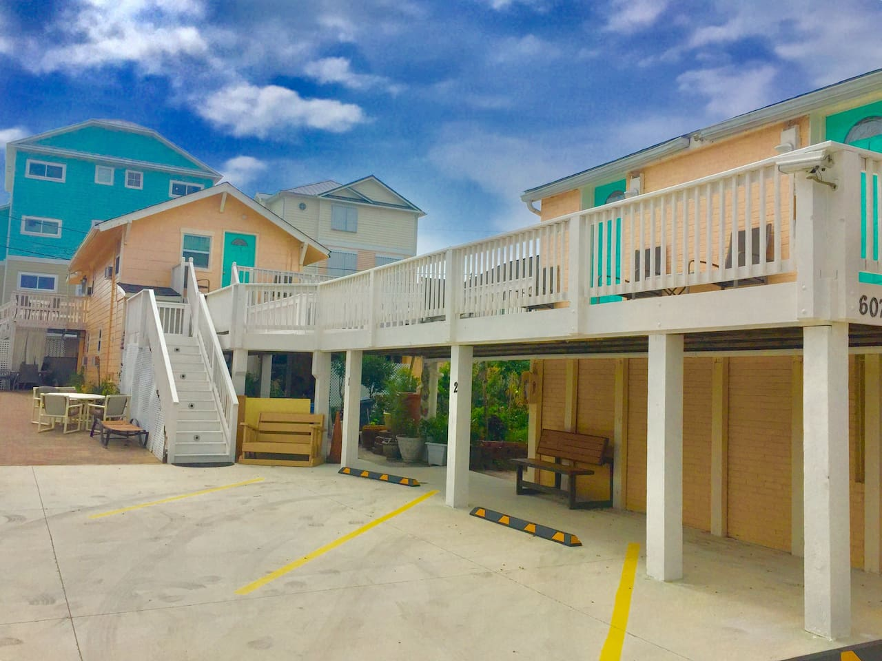 Welcome to the Beachside Suites!