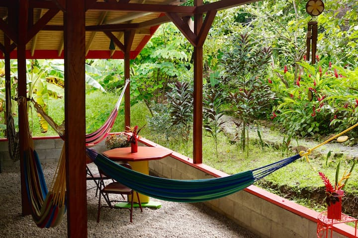 Camping & Hammocks - Beyond Vitality Nature Camp - Castle Bruce - Namiot